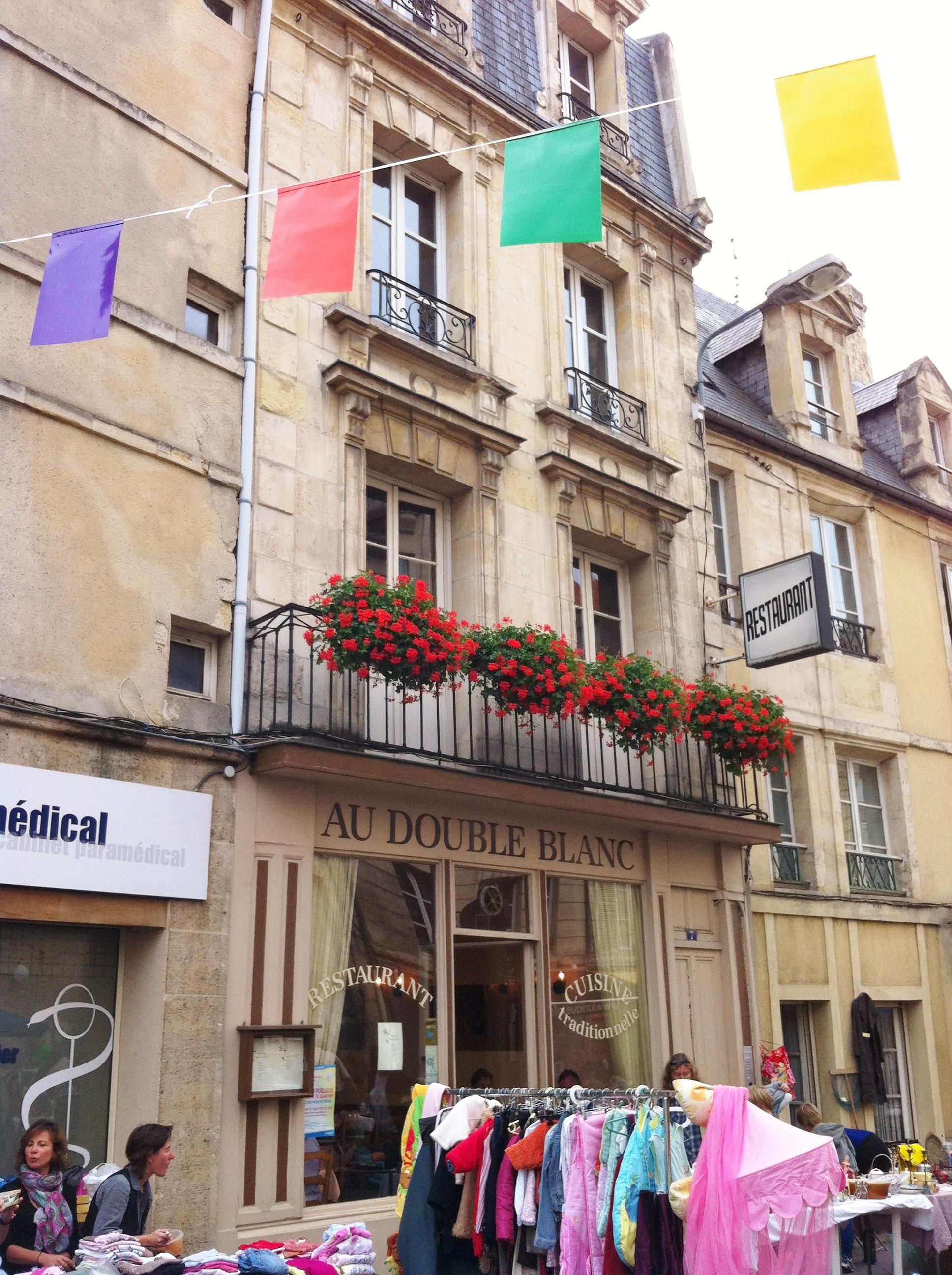 Brocante rue Caponière 2