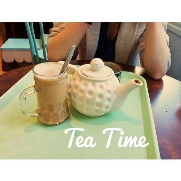 Tea time greedy guts